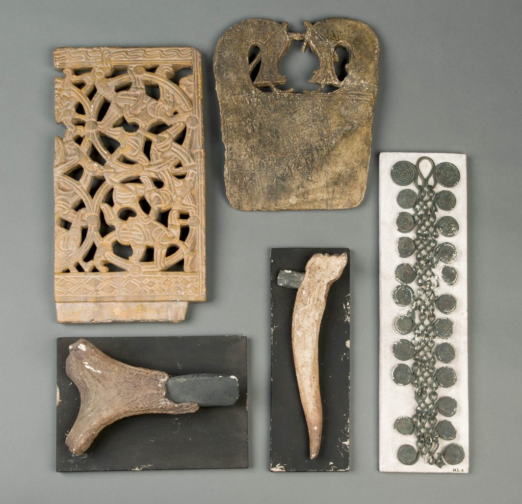 Replicas of artefacts in the Oud Europa collection of National Museum of Antiquities, Leiden c) National Museum of Antiquities, Leiden