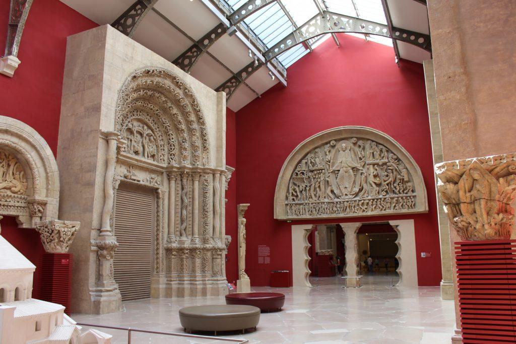 Plaster casts in the Cité de l'architecture et du patrimoine / Musée des Monuments français, Paris (c) Sally Foster