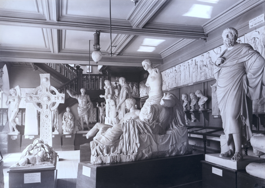 Sculpture court in Albert Institute, Dundee, in 1906 (c) Libraries, Leisure and Culture Dundee