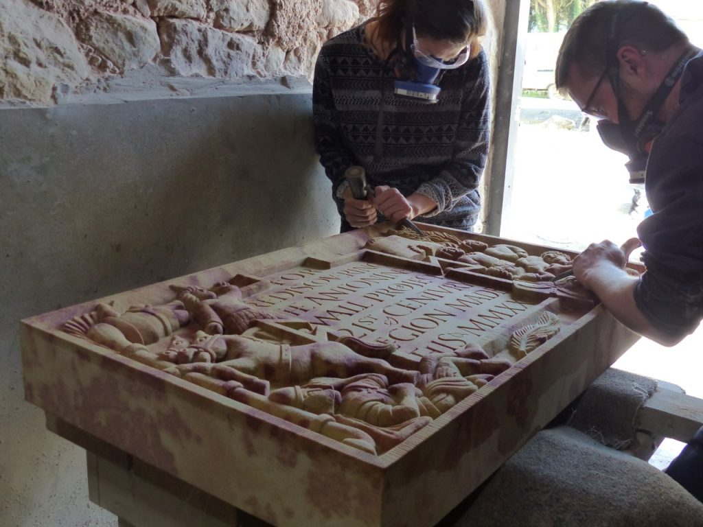 Modern sculptors at work on a recreation of a Roman sculpture (c) Louisa Campbell